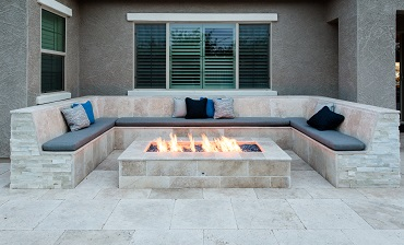 Outdoor Firepits and Fireplaces